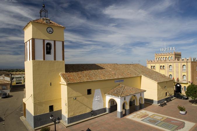 IBLESIA DE SAN BARTOLOME APOSTOL   .jpg
